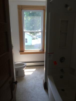2nd Floor Bath (before)
